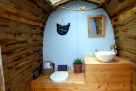 glamping-norfolk-lings-meadow-compost-loo