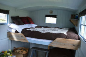 glamping-scotland-eco-camp-glenshee-romantic-shepherds-hut-sJPG