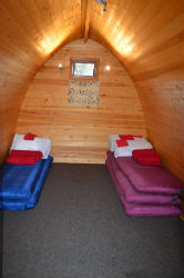 glamping-scotland-eco-camp-glenshee-romantic-wooden-pods-p