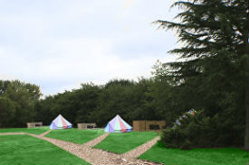 glamping-suffolk-with-hot-tub-oak-lodge-retreat-bell-tent-field-s
