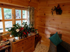 Glamping-Suffolk-West-Stow-Cabin-Christmas-1