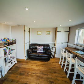 glamping-derbyshire-mulino-pods-relax-room-s