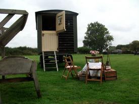 glamping-lincolnshire-longwool-shepherds-hut-s