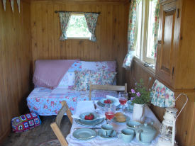 glamping-lincolnshire-longwool-shepherds-hut-sofa-s