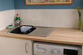 glamping-scotland-isle-of-arran-runach-arainn-kitchen-s