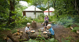 glamping-devon-yurt-camp-kids-playing