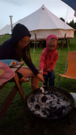 glamping-dorset-meadow-view-bell-tents-fire-pit-ss