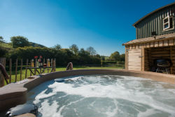 glamping-in-luxury-hepherds-huts-with-classic-glamping-shepherds-bliss