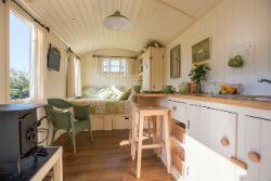 glamping-in-luxury-shepherds-huts-classic-glamping-shepherds-joy-interior
