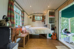 glamping-in-luxury-shepherds-huts-devon-with-classic-glamping-shepherds-delight-interior