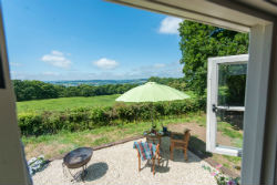 glamping-in-luxury-shepherds-huts-devon-with-classic-glamping-star-gazy-views