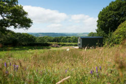 glamping-in-luxury-shepherds-huts-devon-with-classic-glamping-star-gazy