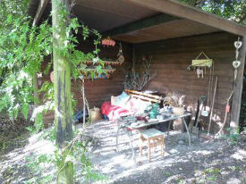 glamping-wales-romany-wagon-retreat-chill-out-area-s