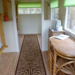 glamping-worcestershire-grabbed-by-the-alpacas-shepherds-hut-2-s