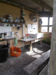 glamping-cornwall-west-kellow-kitchen