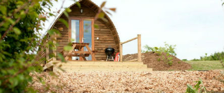 glamping-isle-of-wight-tapnell-farm-wooden-pod-exterior-s