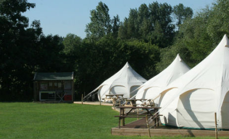 THE THREE HORSESHOES Glamping Lincolnshire