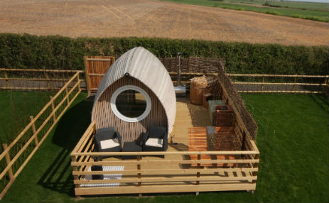 LEE WICK COTTAGES AND ARMADILLAS Glamping Essex with Hot Tub