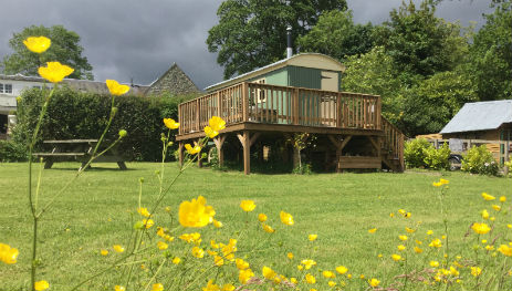 RUBERSVIEW SHEPHERDS HUTS Glamping Scotland