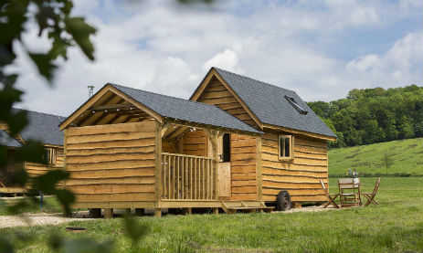 LITTLE COUNTRY HOUSES Glamping The Cotswolds with Hot Tub