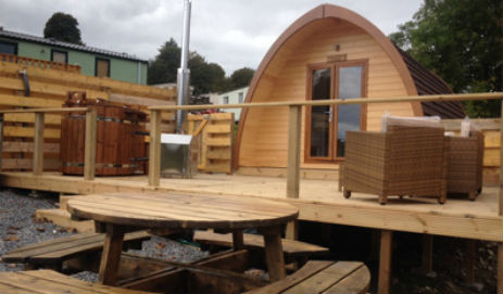 QUEENSLAND HOLIDAY PARK Glamping Scotland with Hot Tub
