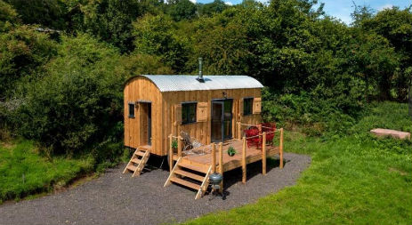 MALLARD Glamping Wales with Hot Tub