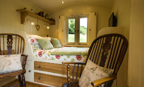 HADDYS HUT at OAKER FARM Glamping Derbyshire and The Peak District