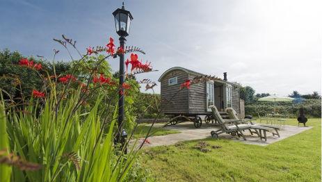 MOWBARTON SHEPHERD'S HUT Glamping Somerset