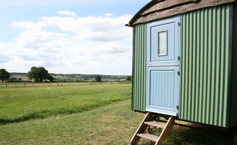 HILLTOP HIDEAWAYS Glamping Warwickshire