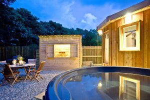 POD AND CABIN GLAMPING IN CORNWALL