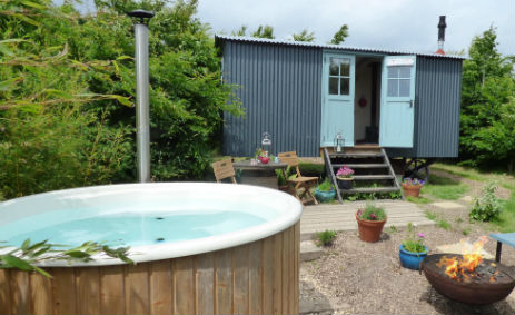 DORSET FOREST GARDEN Glamping Dorset with Hot Tub