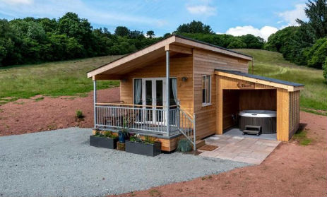 TYNANT LODGE Glamping Wales with Hot Tub