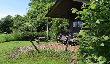 LA FERME DE LA FOLIVRAIE FEATHERDOWN FARM Glamping France
