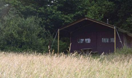 LA FERME DES CHAMPEAUX FEATHERDOWN FARM Glamping Saint-Amand-le-Petit France