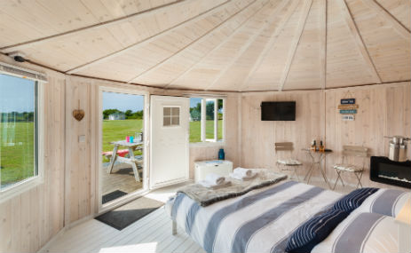 COASTAL CABINS Glamping in Devon with Hot Tub