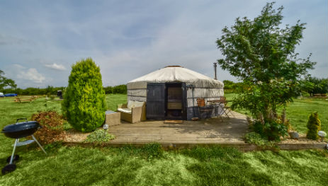 LINCOLN YURTS Glamping Lincolnshire with Hot Tub