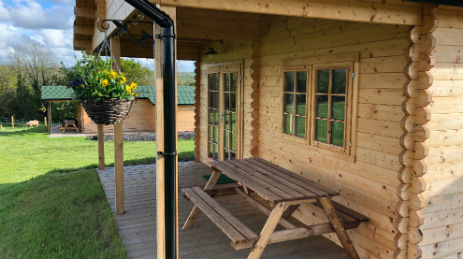 OAKTREE LANE CABINS Glamping Devon