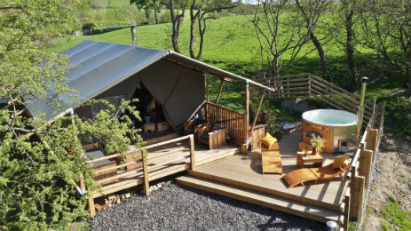 STELLAR SAFARI TENT at LON LODGE Glamping Wales with Hot Tub