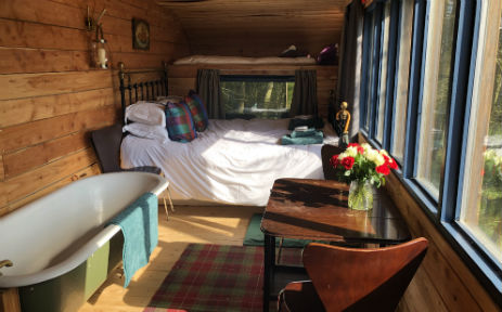 ALEXANDER HOUSE YURTS and HORSEBOX Glamping Scotland with Hot Tub