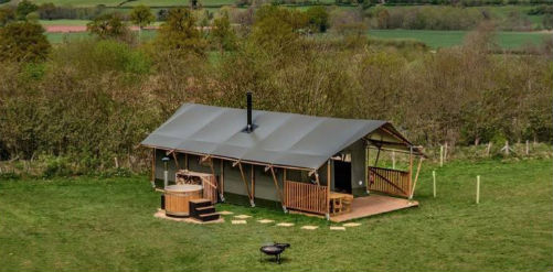 BUZZARD LODGE Glamping Wales with Hot Tub
