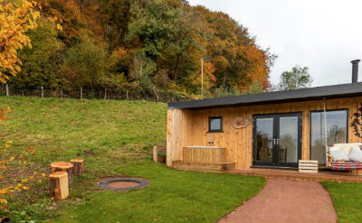 Glamping in The Forest of Dean at The Roost with Hot Tub
