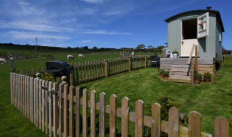 BENTON VIEW SHEPHERDS HUT Glamping Devon